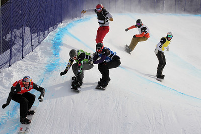 SBX World Cup Stoneham, CAN - Finals - Heat 10 Men - Pierre Vaultier (FRA) in red, Andrey Boldykov (RUS) in green, Markus Schairer (AUT) in blue, Alex Tuttle (USA) in black, Anton Lindfors (FIN) in yellow, cleve Johnson (NED) in white Photo: Oliver Kraus/FIS - photo may be used for editorial use only
